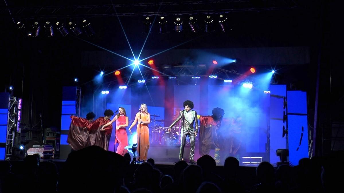 Motown Dancing1